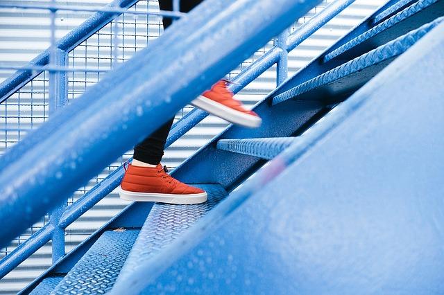 steps-1081909_640